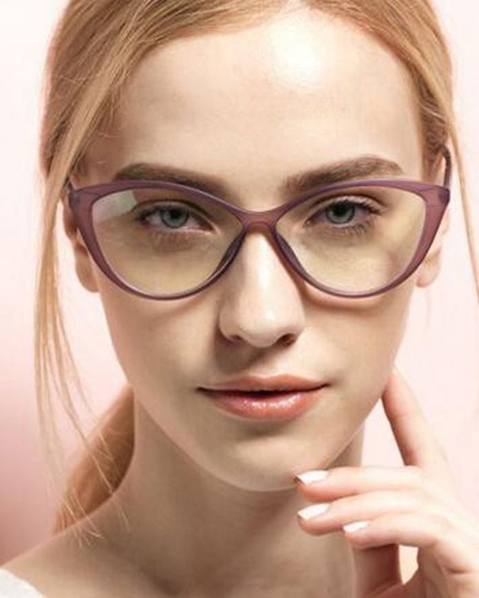 Kacamata Frame Cat Eye Wajah Oval